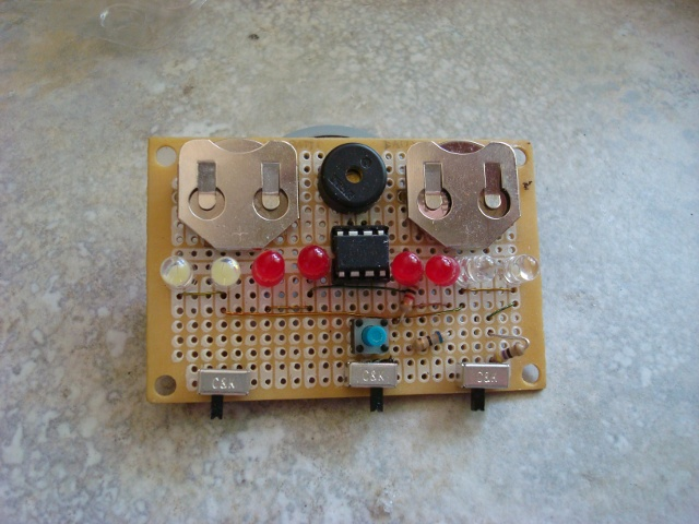 A picture of the perfboard version.