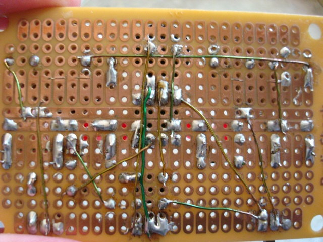 A picture of the perfboard version's wiring.